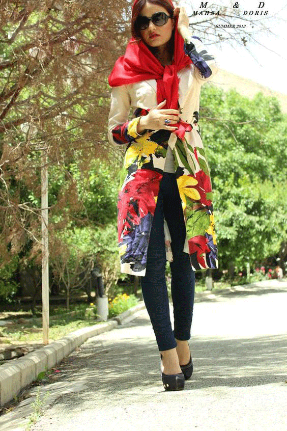 مدل مانتوی جلوباز طرح گل