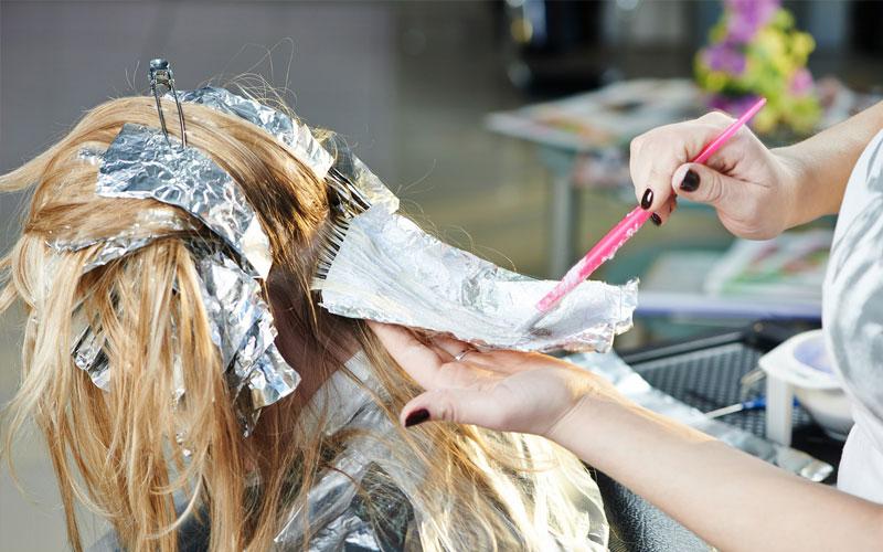 عوارض دکلره کردن مو در بارداری