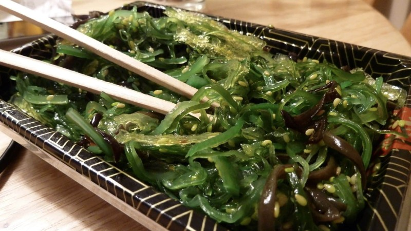 Apr-10-35-14-How-to-Boost-Your-Immune-System-with-Wakame-Seaweed