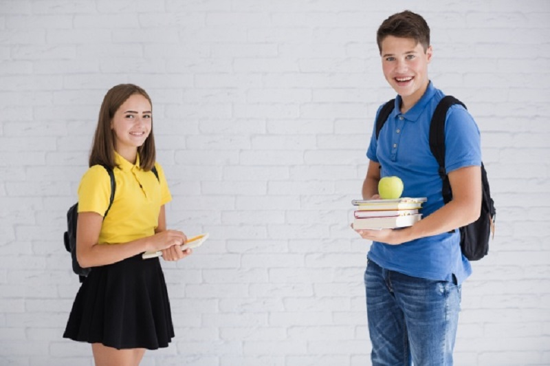 آموزش مسائل جنسی به نوجوانان