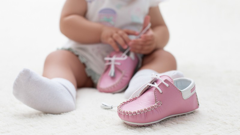 When-Should-My-Baby-Get-A-First-Pair-Of-Shoes