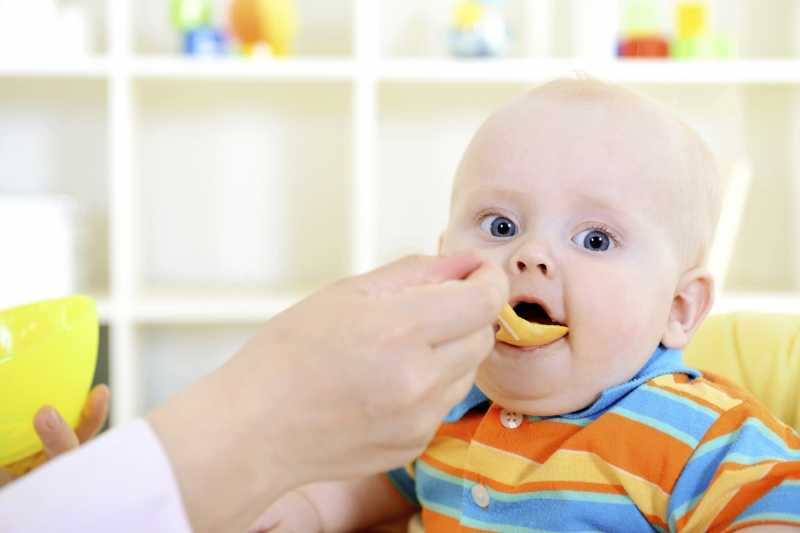 baby_solids_infant_eating_food_breakfast_iStock_000020035976_Medium__1535117720_77531
