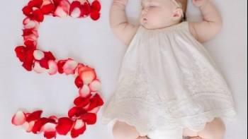 مراحل رشد کودک پنج ماهه | نشانه های تاخیر در رشد چیست؟