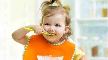 مراحل رشد کودک 22 ماهه | اسم ها را یاد می گیرد